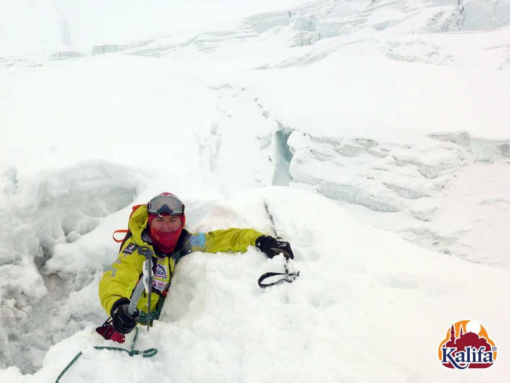 Küzdelem a hóval Forrás: Kalifa Himalája Expedíció 2018 - Gasherbrum I-II
