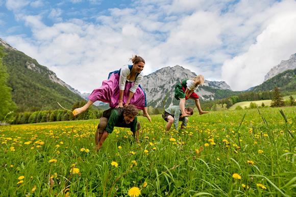 Mókás programok a mezőn. Forrás: TRV HOCHsteiermark_Tom Lamm