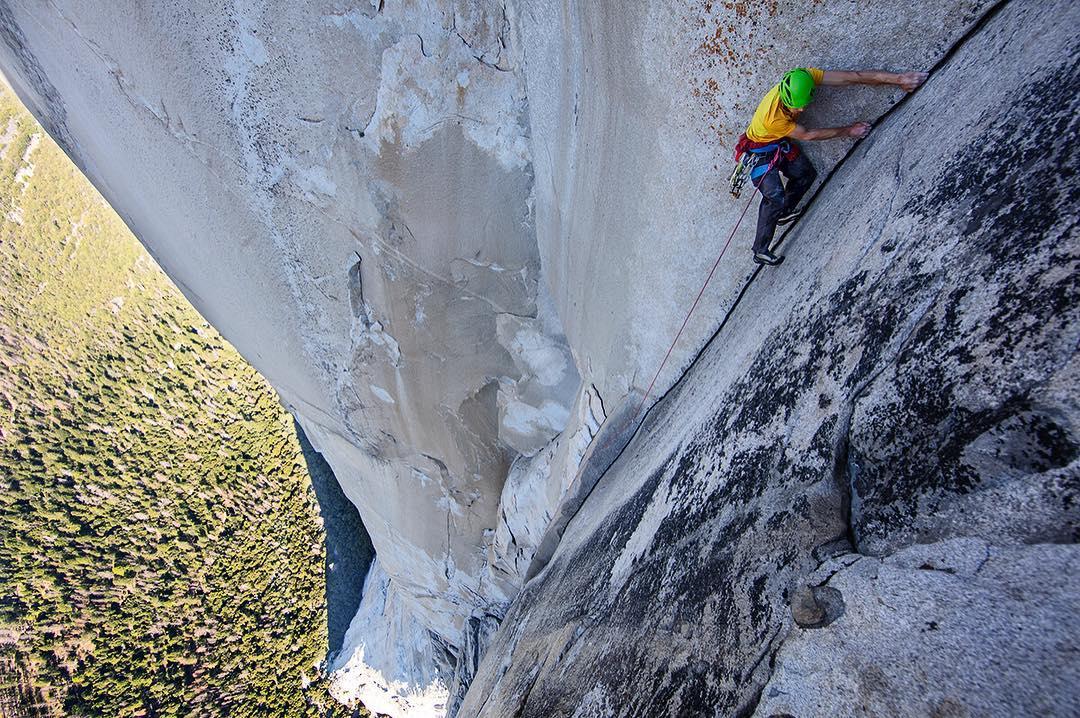 Alex Honnold az egyik gyorsasági mászás közben a Nose-on Forrás: Alex Honnold Facebook