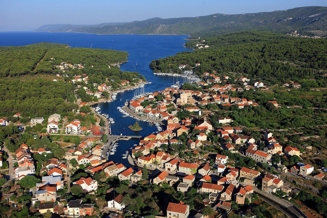 Vrboska tengerparti városa Forrás: Turizmus.com