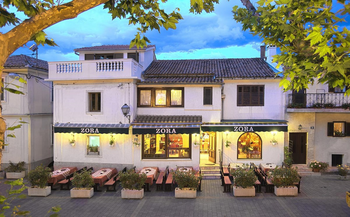 A Zora étterem Dobrinjban Forrás: Turizmus.com