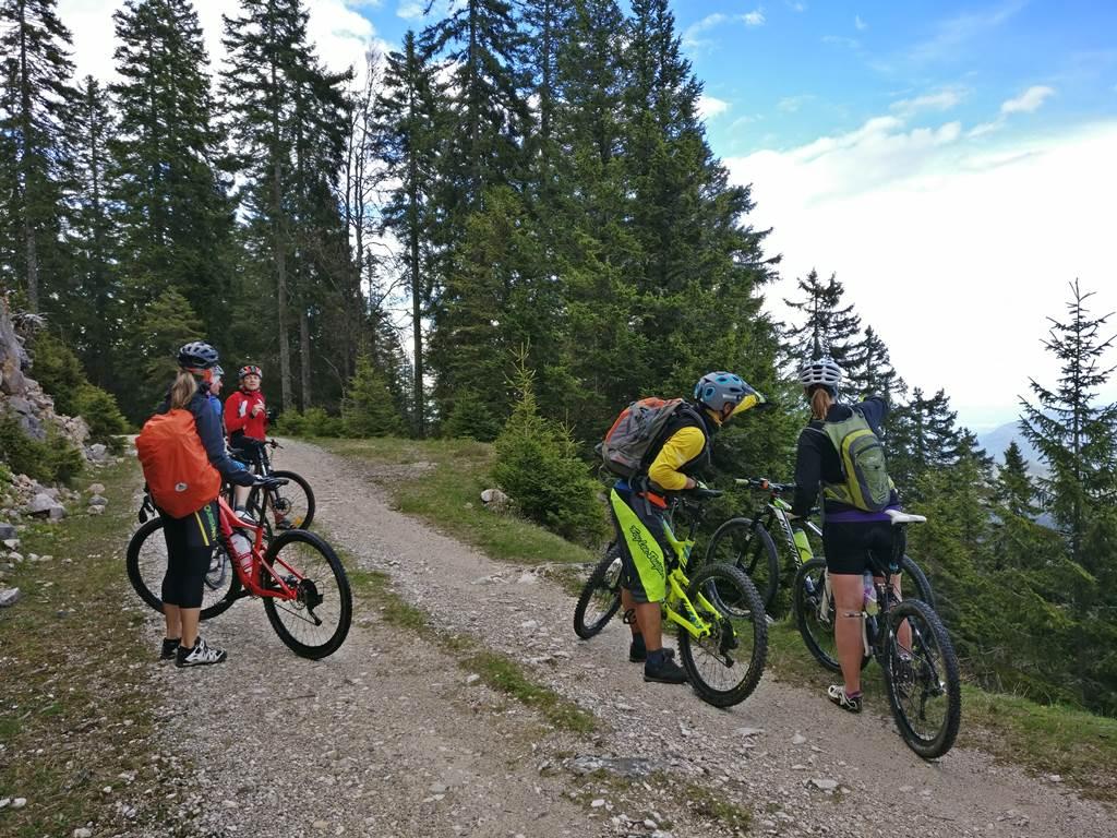 A Bled Bike Festival mountainbike verseny nyomvonalának bemutatásán Forrás: www.mozgasvilag.hu