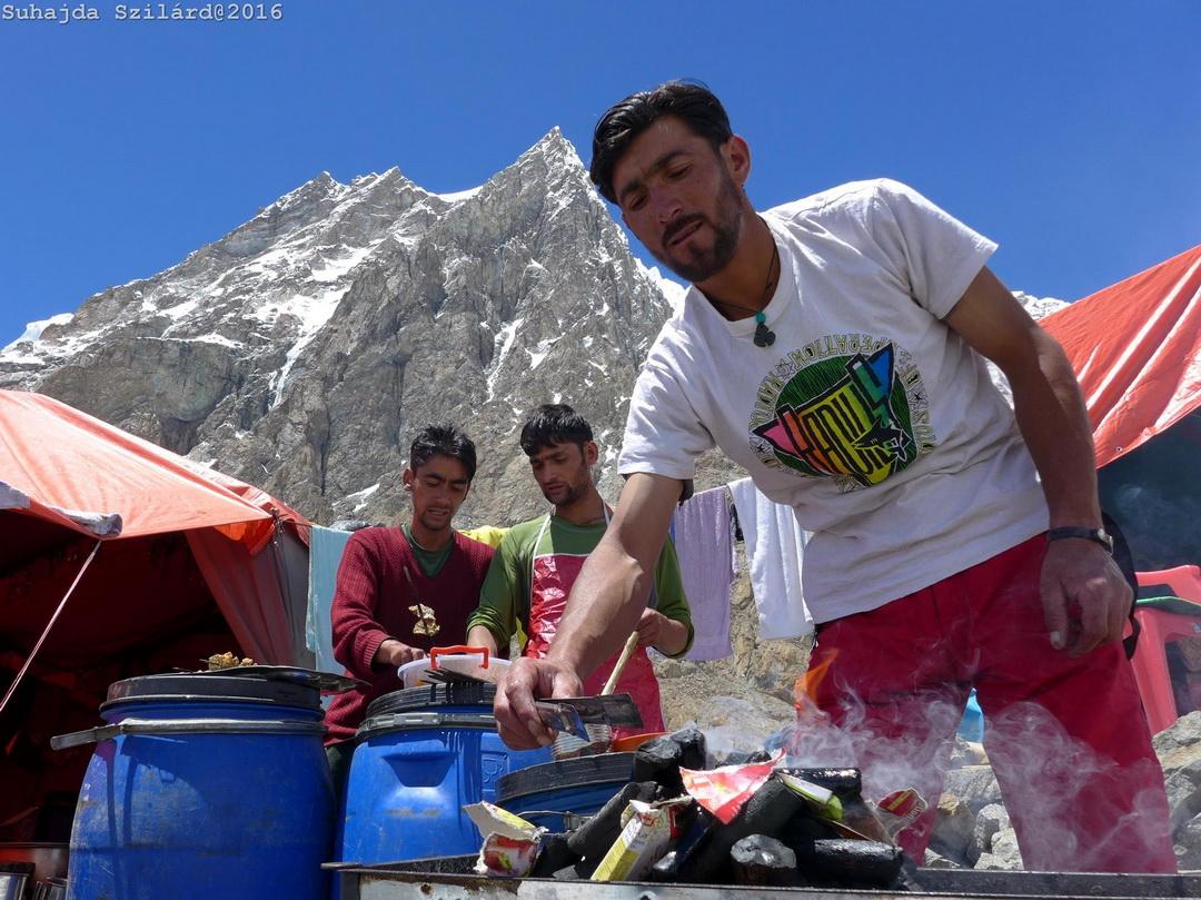 Alaptábori boszorkánykonyha Forrás: Johnnie Walker K2 expedíció/Suhajda Szilárd