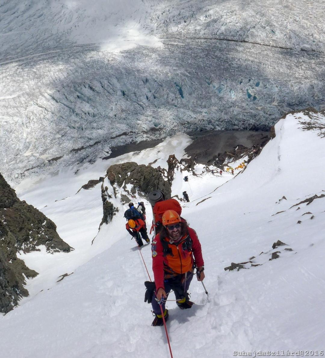 Az 1-es tábor felett Forrás: Johnnie Walker K2 expedíció/Suhajda Szilárd