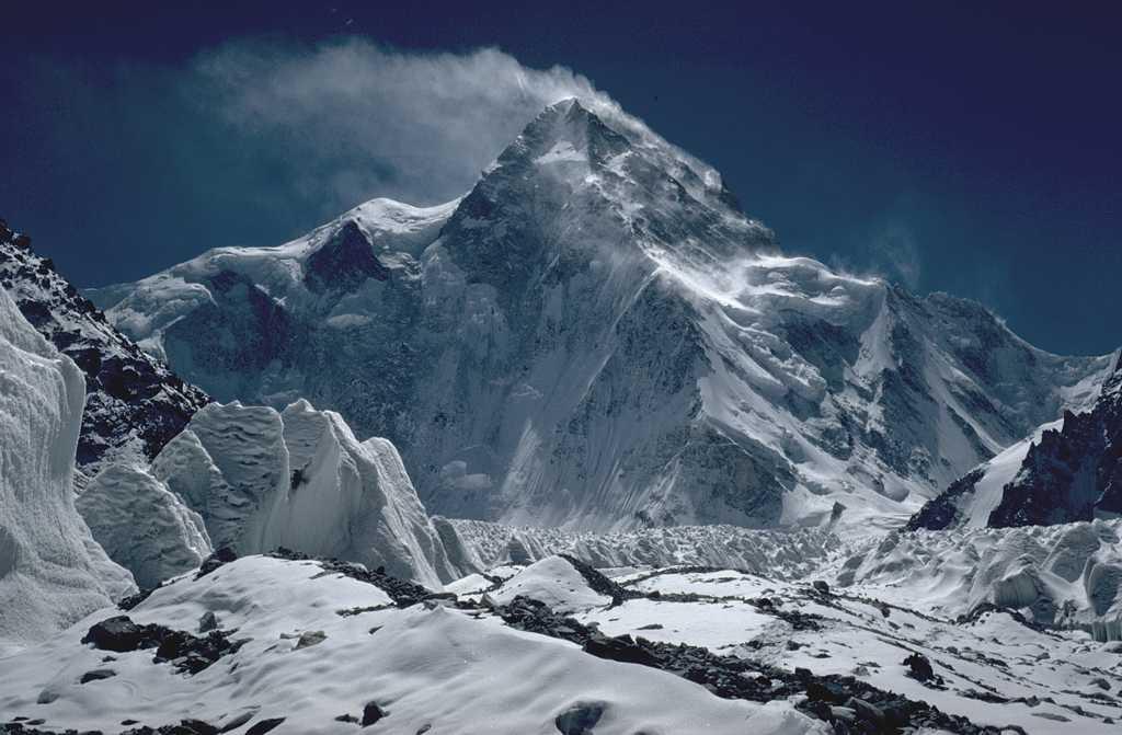 A K2 csúcsa észak felől Forrás: Wikipédia