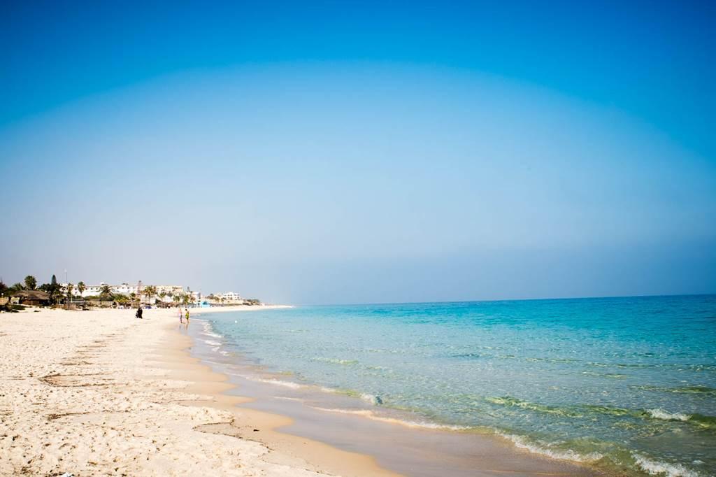 Gyönyörű süppedő homokos tengerpart Forrás: (c) Kimura