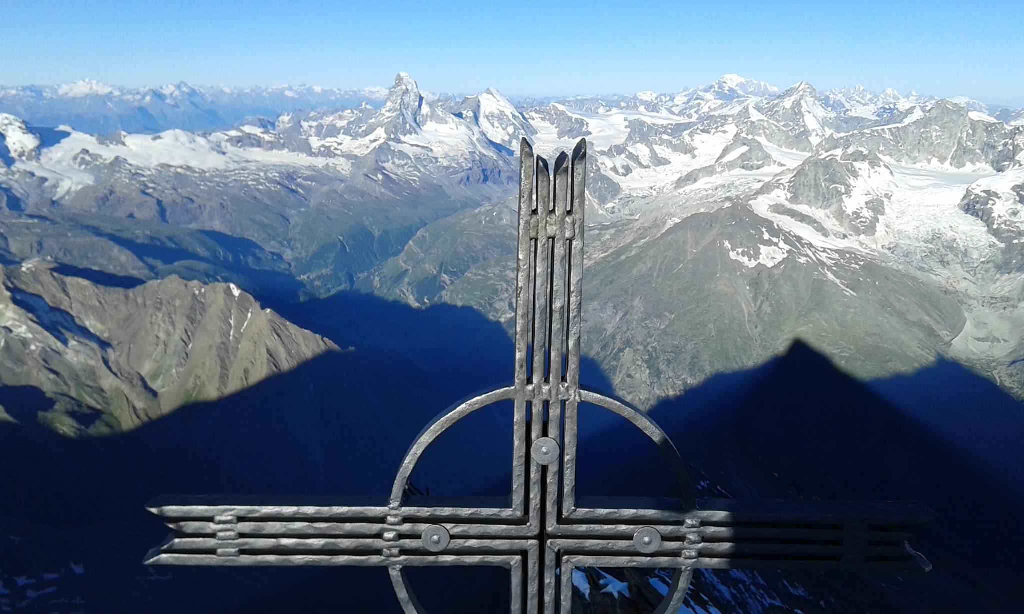 A Taeschhorn csúcsán Forrás: Lengyel Ferenc Facebook