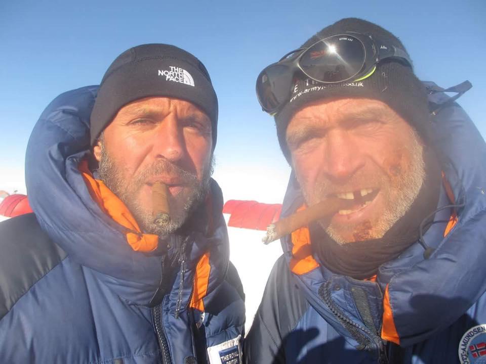 Lou Rudd és Henry Worsley. Worsley-nek beletört a foga egy fagyott müzliszeletbe. Forrás: Lou Rudd Facebook