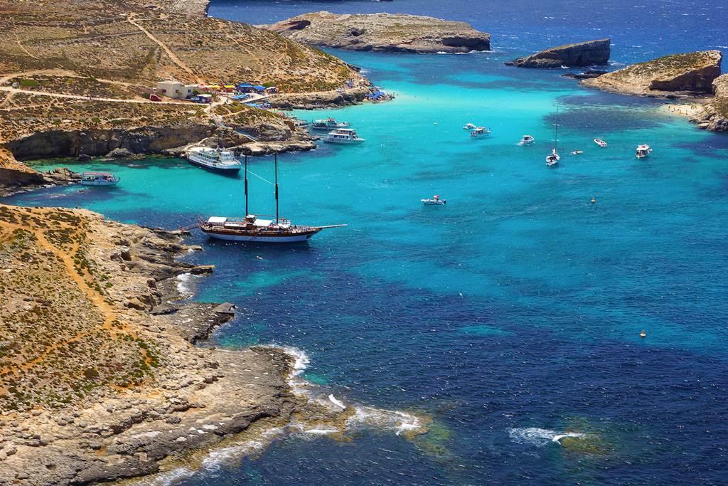Légifelvétel a cominoi Kék Lagúnáról Forrás: Máltai Idegenforgalmi Hivatal