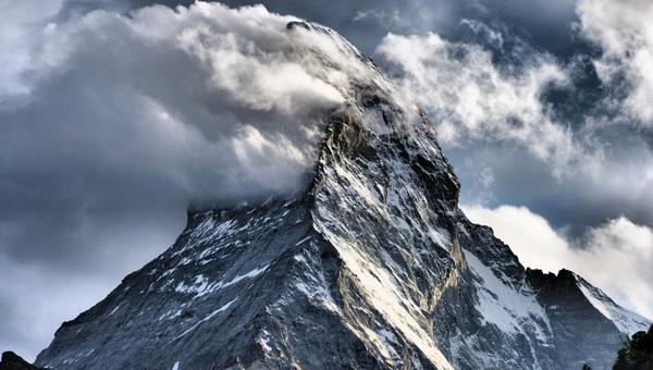 A pipáló Matterhorn Forrás: Wikipedia