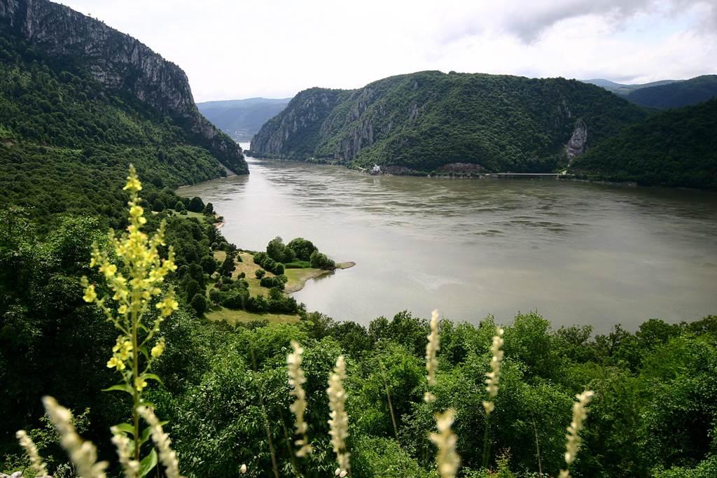 Vaskapu Nemzeti Park - Duna Forrás: National Tourism Organisation of Serbia