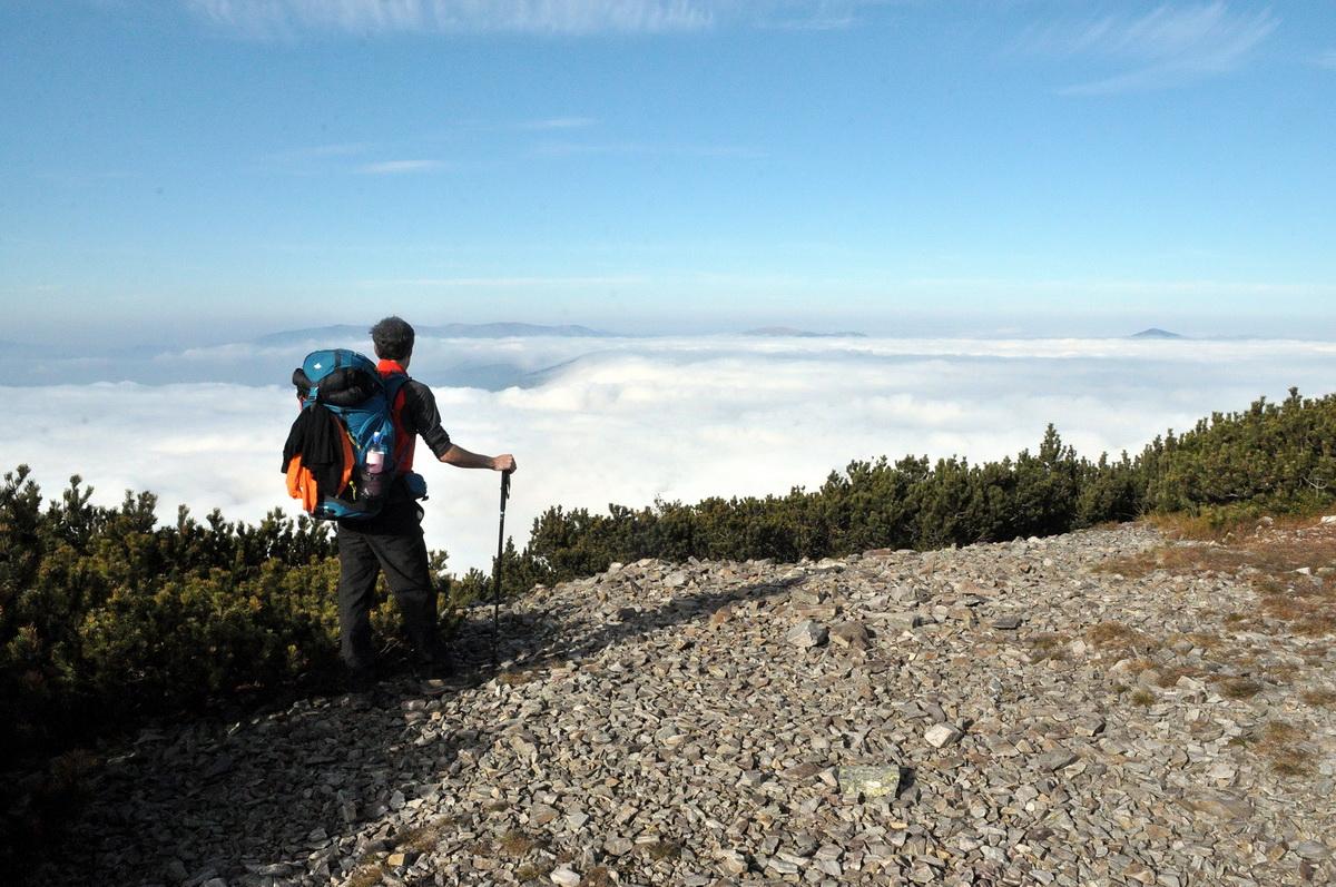 Köd és felhők felett, hol a Nap ragyog Forrás: Mozgásvilág - Paraferee