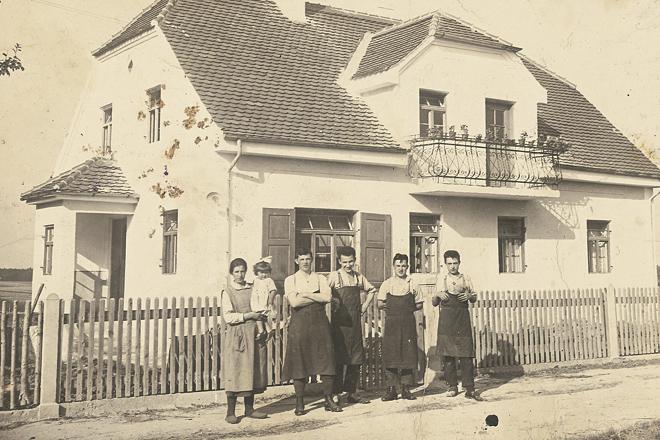1921, a kezdetek Forrás: Hanwag