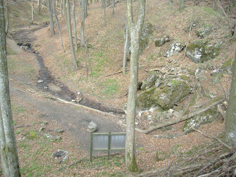 Pénz-pataki-víznyelőbarlang Forrás: Wikipédia (Czina Tivadar)