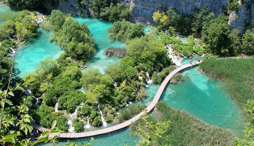 Plitvicei-tavak Nemzeti Park Forrás: turizmus.com