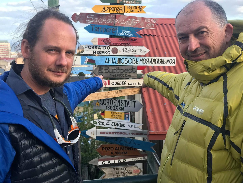 Rakonczay Gábor és Szalay Balázs expedíciós menedzser Punta Arenasban Forrás: Magyar Déli-sark Expedíció
