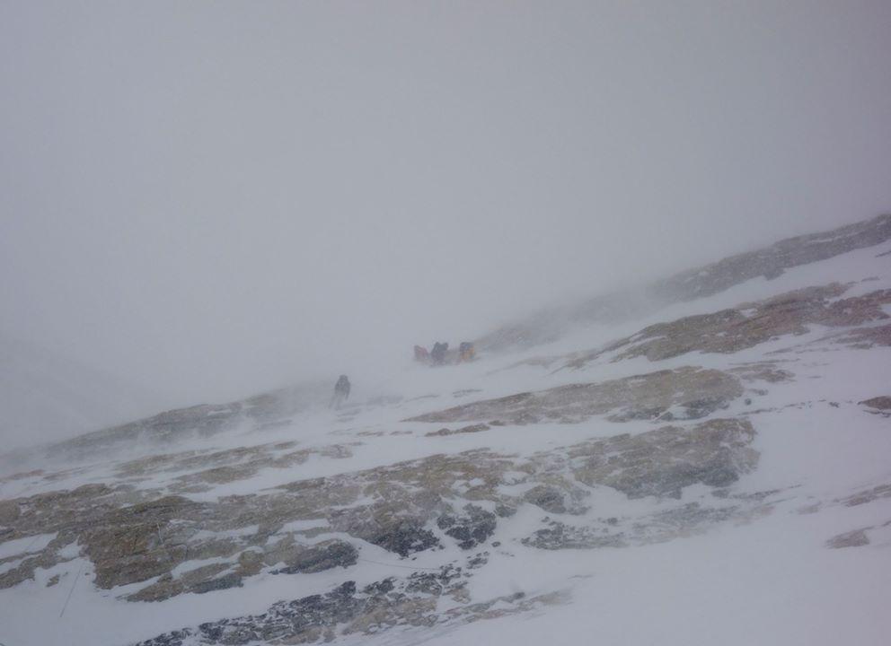 Az Everest Sárga-sávjában, mérsékelten optimális körülmények között... Forrás: Elizabeth Revol Facebook