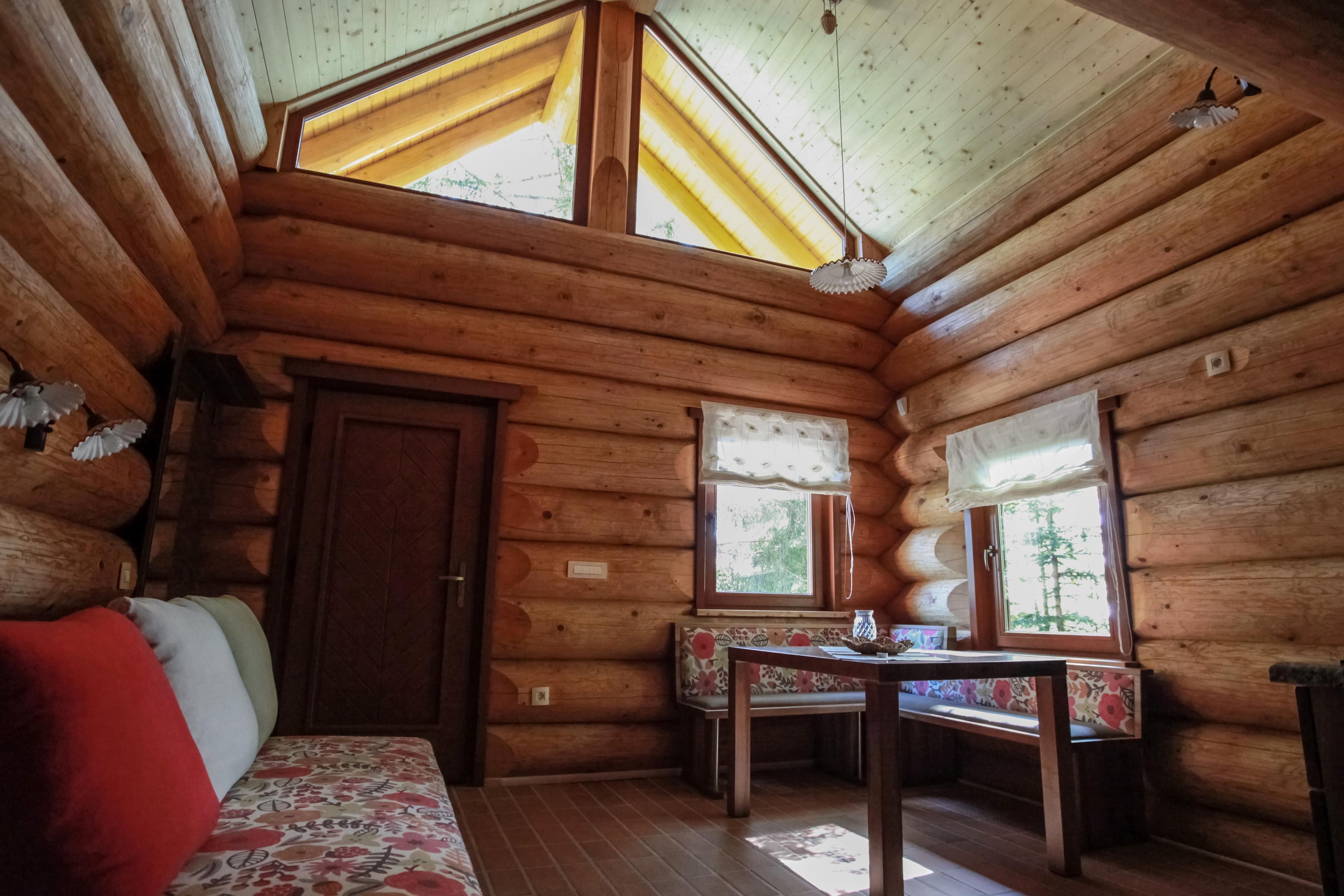 Öko faház belső. Forrás: Rusevec apartman