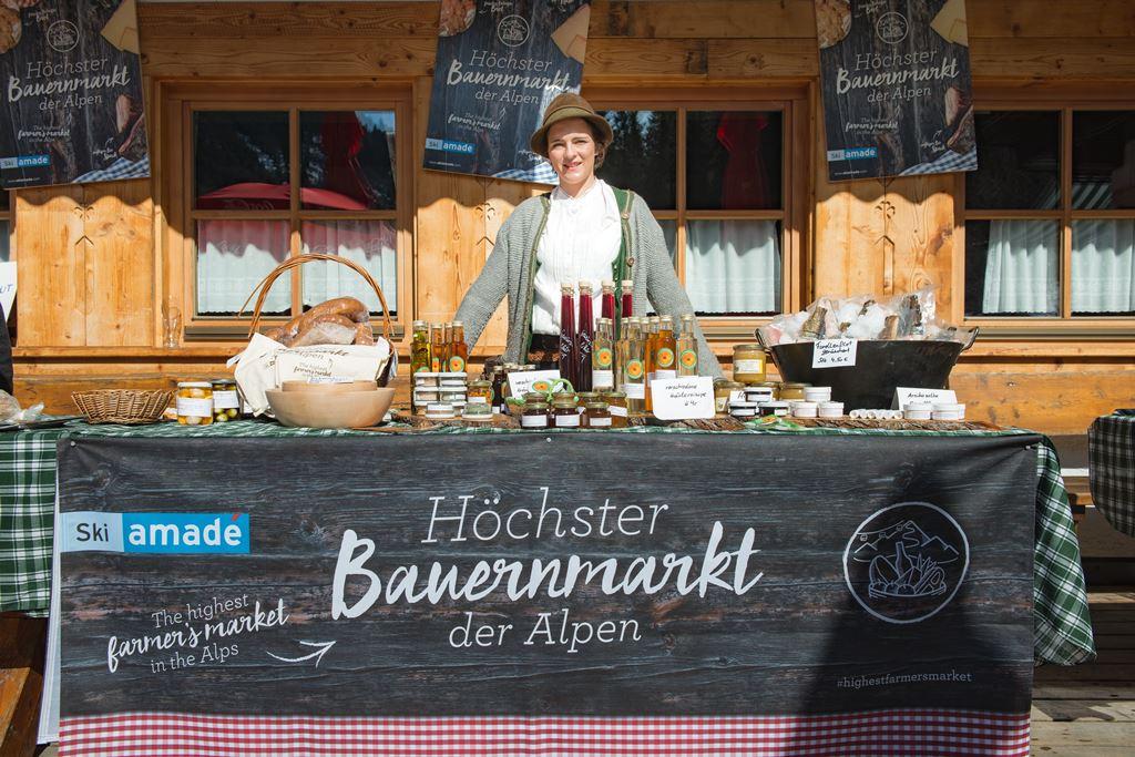 Az Alpok legmagasabban fekvő termelői piaca Forrás: Ski-amadé-Bauernmarkt-31