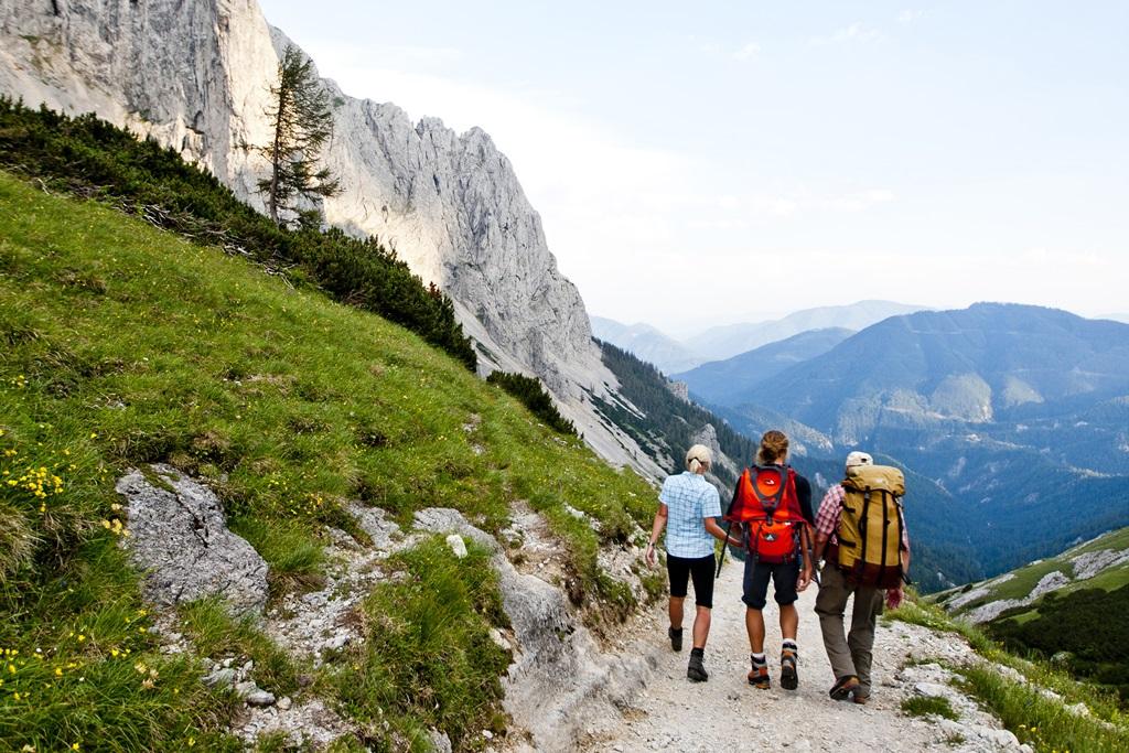 Túrázás a BergZeitReise útvonalán Forrás: Steiermark Tourismus ©Tom Lamm.cc