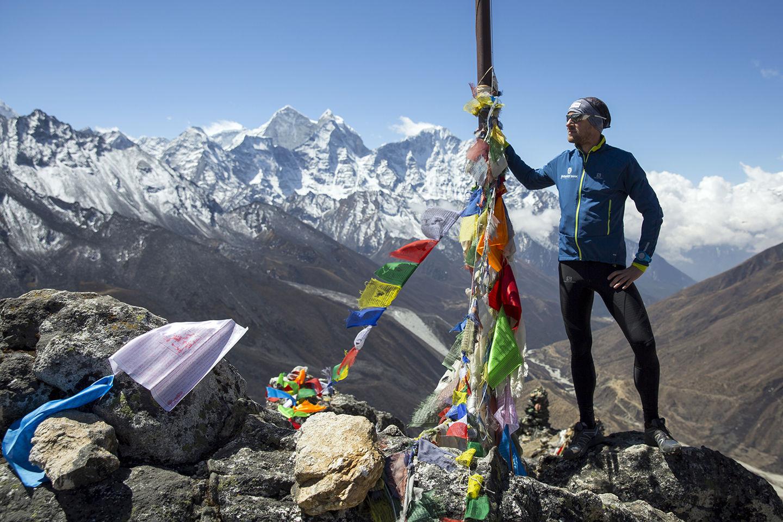 Száraz Dénes Forrás: Everest Expedíció