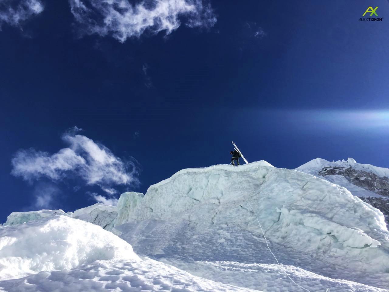 Alex Txikon útban az Everest 2-es tábora felé Forrás: alextxikon.com