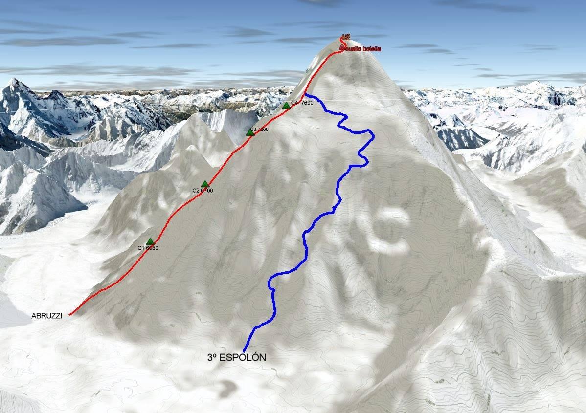Kékkel a lehetséges útvonal a keleti falon, amelyet végül elvetettek Forrás: Alex Txikón Facebook