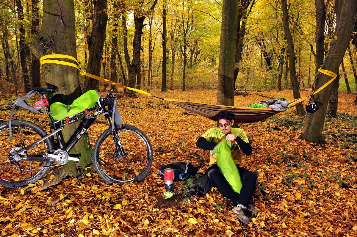 Táborozás a nap végén Forrás: Paraferee - Mozgasvilag.hu