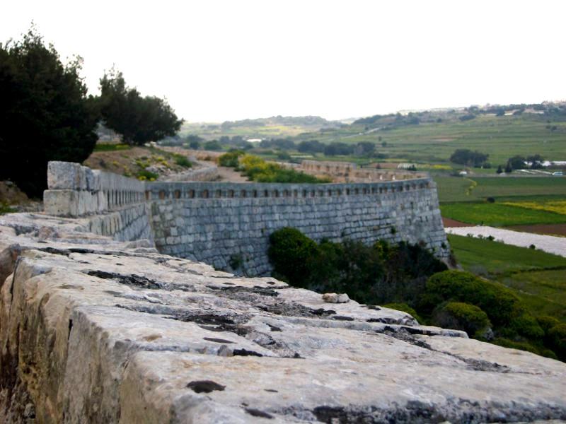 Victoria Lines muskétás kör - Mosta Forrás: Máltai Idegenforgalmi Hivatal
