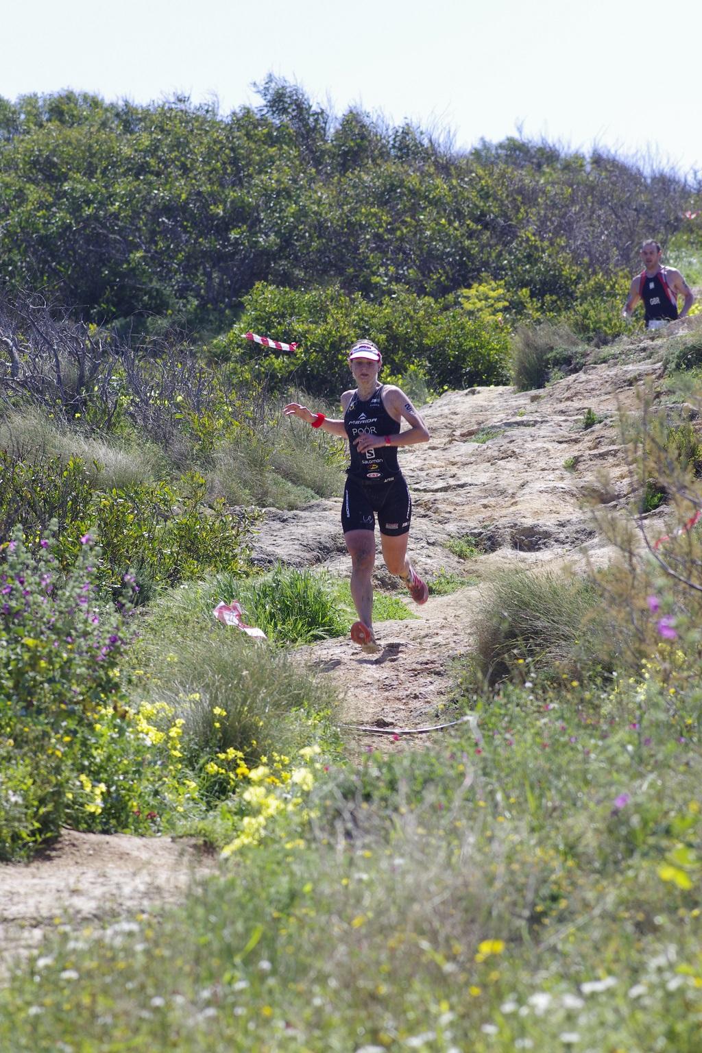 Poór Brigi az első Xterra Malta triatlon verseny közben. Forrás: Máltai Idegenforgalmi Hivatal