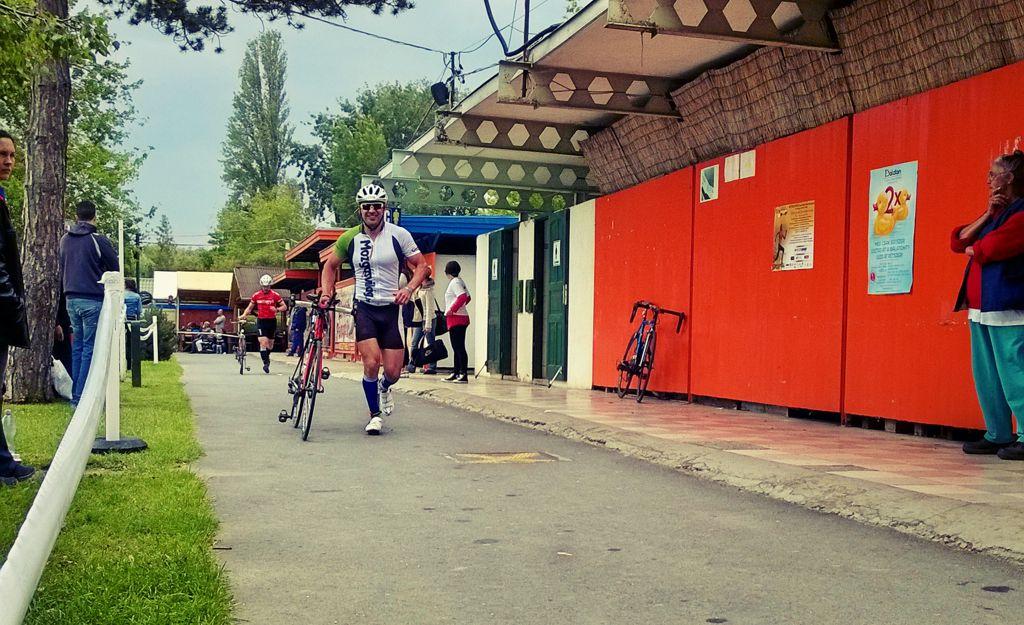 Ez a bringával-futós versenyszám épp Forrás: Mozgásvilág.hu