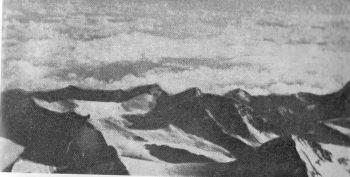Kilátás észak felé 8700 méterről Forrás: Himalayan Journal