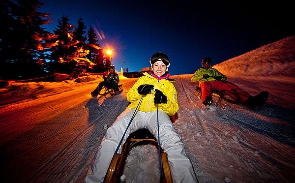 Éjszakai szánkózás a 7 km hosszú Hochwurzen szánkópályán Forrás: (c) Ikarus Skilenz