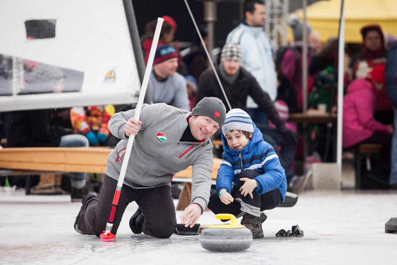 Curling Forrás: Szalmás Péter/MOB