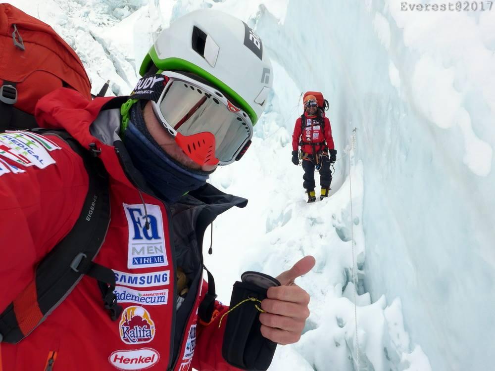 Suhajda Szilárd a Khumbu-jégesésben Forrás: Magyar Everest Expedíció 2017