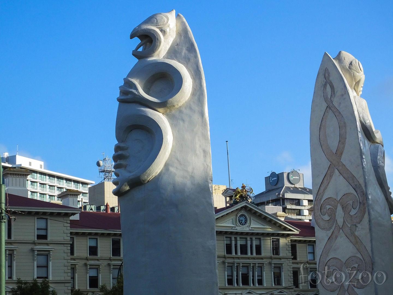 Maori szobrok teszik különlegessé a főváros hangulatát. Forrás: Horváth Zoltán - Fotozoo