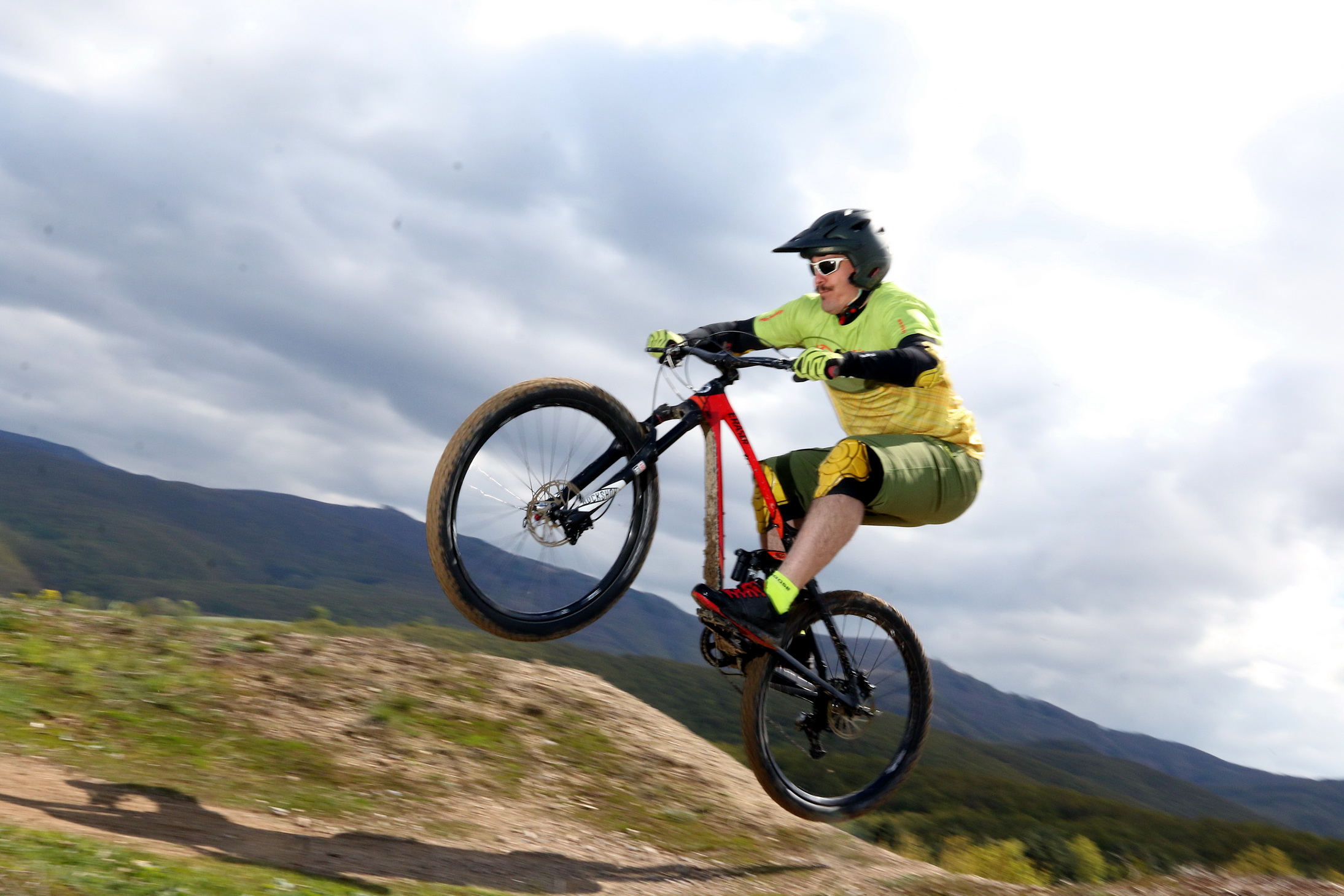 Fekszik neki a downhill, az enduro és az all mountain is Forrás: Thommey