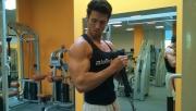 Bicepszhajlítás kalapács fogásban kötéllel csigán | www.mozgasvilag.hu