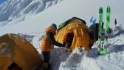 Manaszlu, Everest – jól haladnak a magyarok