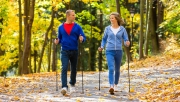 Ingyenes nordic walking nap október 5.-én