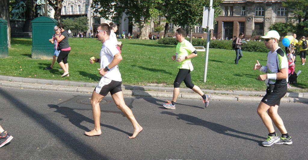 Maraton Mezítláb Forrás: Fóka - Mozgásvilág.hu