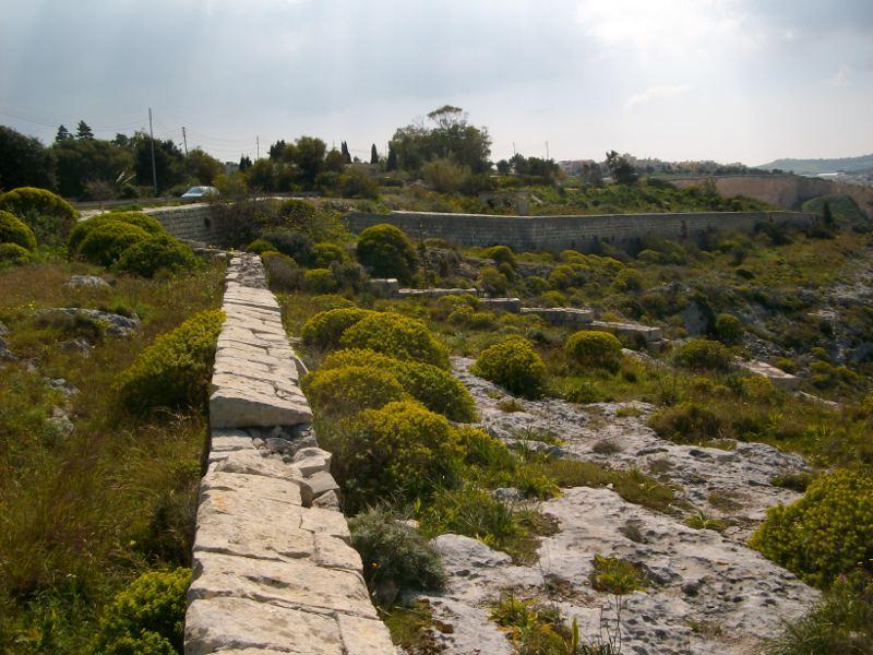 Naxxar Szakadék Victoria Lines Forrás: Victoria Lines Malta