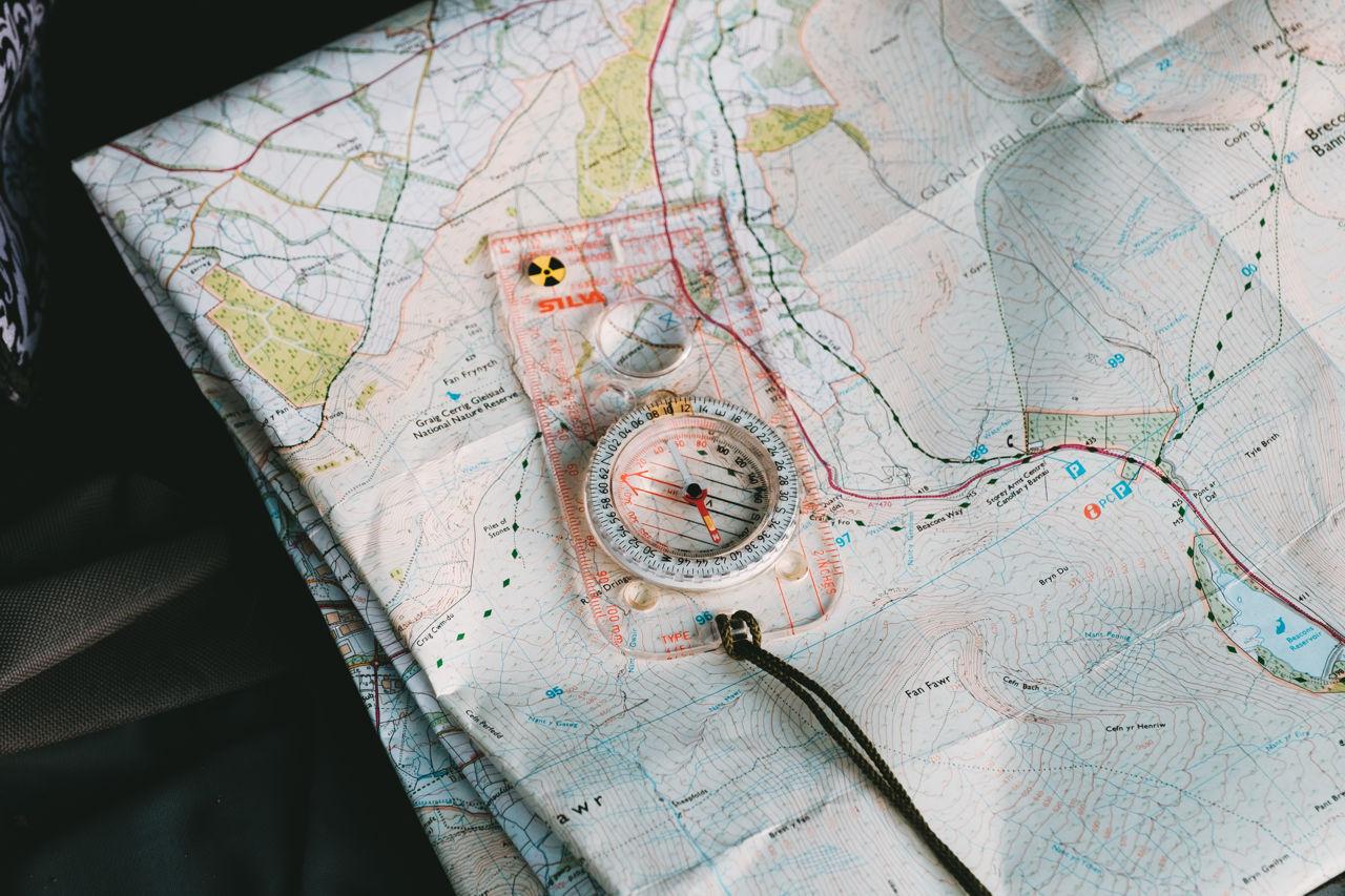 Térkép, iránytű