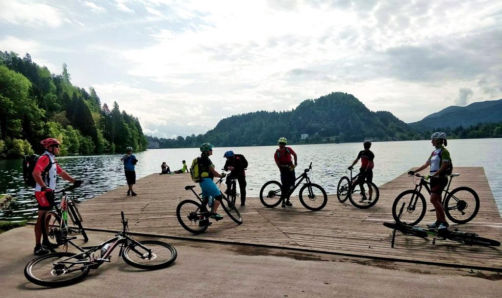 A fesztiválközpontban, a Bledi-tó partján Forrás: Mozgásvilág.hu