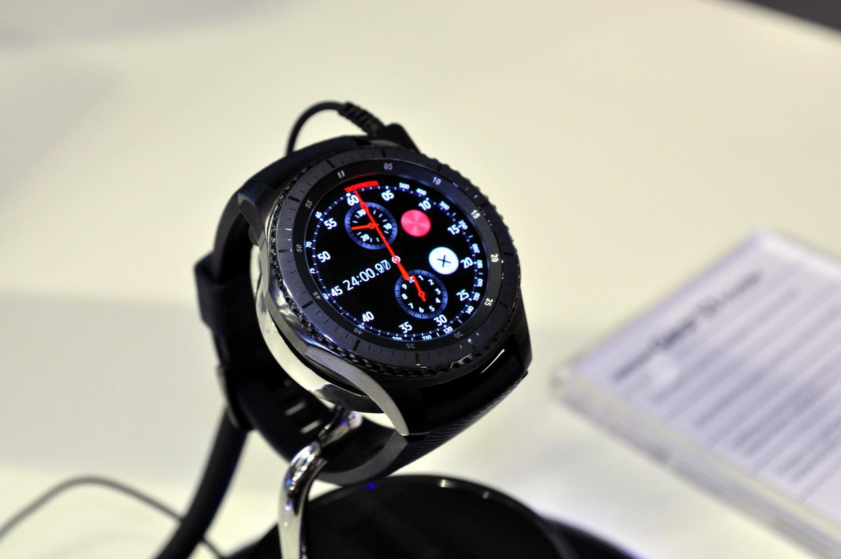 Samsung Gear S3 Forrás: Paraferee - mozgasvilag.hu