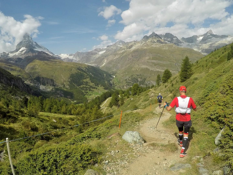 Monte Rosa Skymarathon, háttérben a Matterhorn Forrás: Kiss Miklós