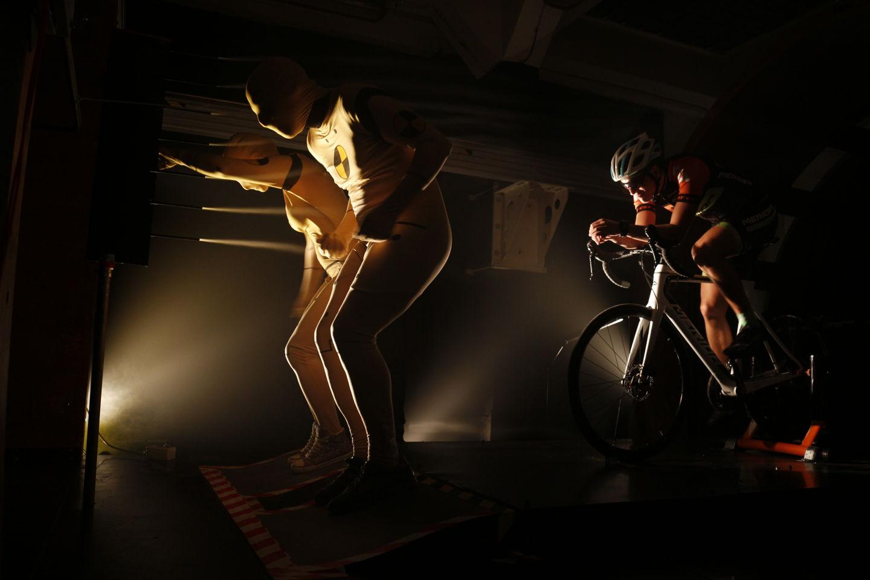 Szélcsatornás országúti kerékpár tesztelés