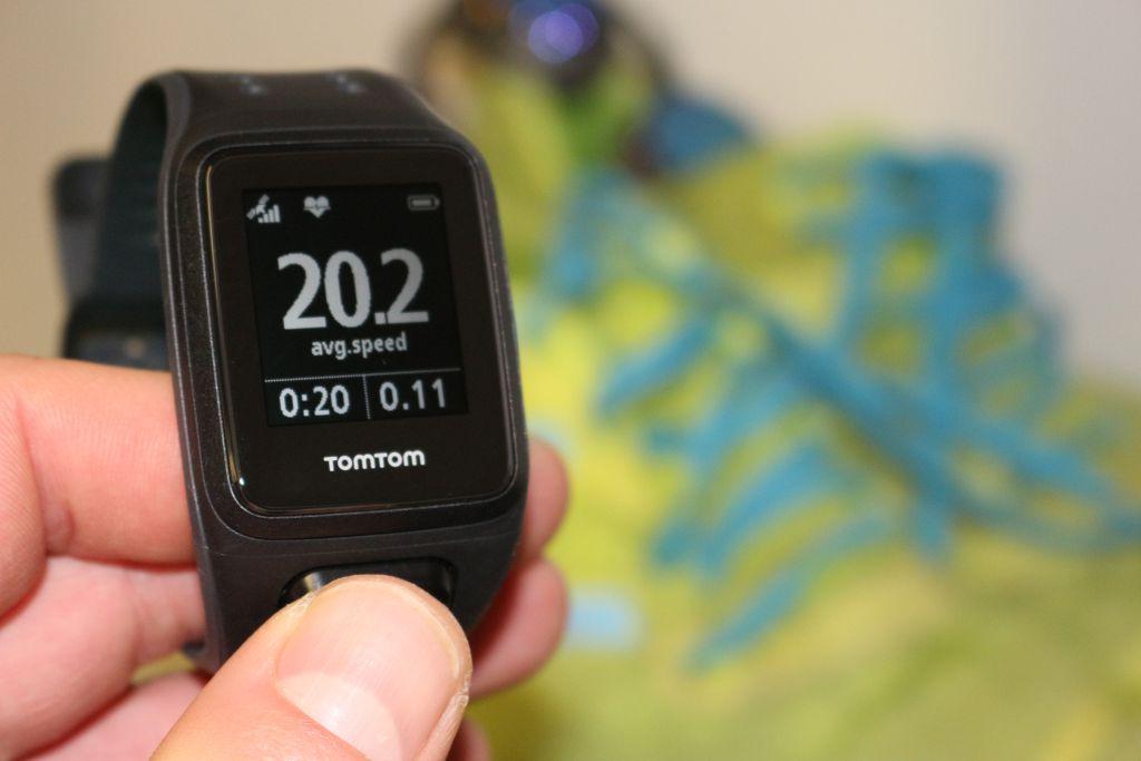 Jól olvasható számlap - TomTom Runner 2 Cardio Music Forrás: Mozgásvilág.hu