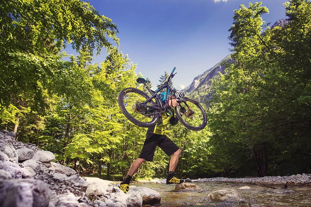 Kamniska Bistrica kerékpárral Forrás: (c) Bostjan Tacol
