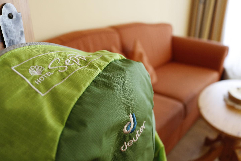 A szobában minőségi kölcsön túratáska is van, ha hirtelen nekiindulnál - Hotel Seppl**** Forrás: Mozgásvilág.hu